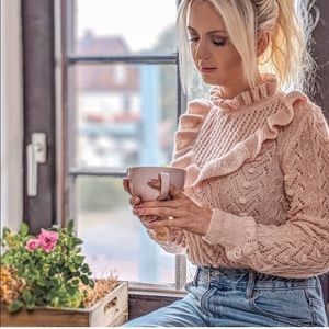 GORGEOUS ZARA NWT Ruffled Sweater